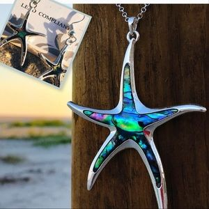 Jewelry - SET! Starfish necklace & earrings
